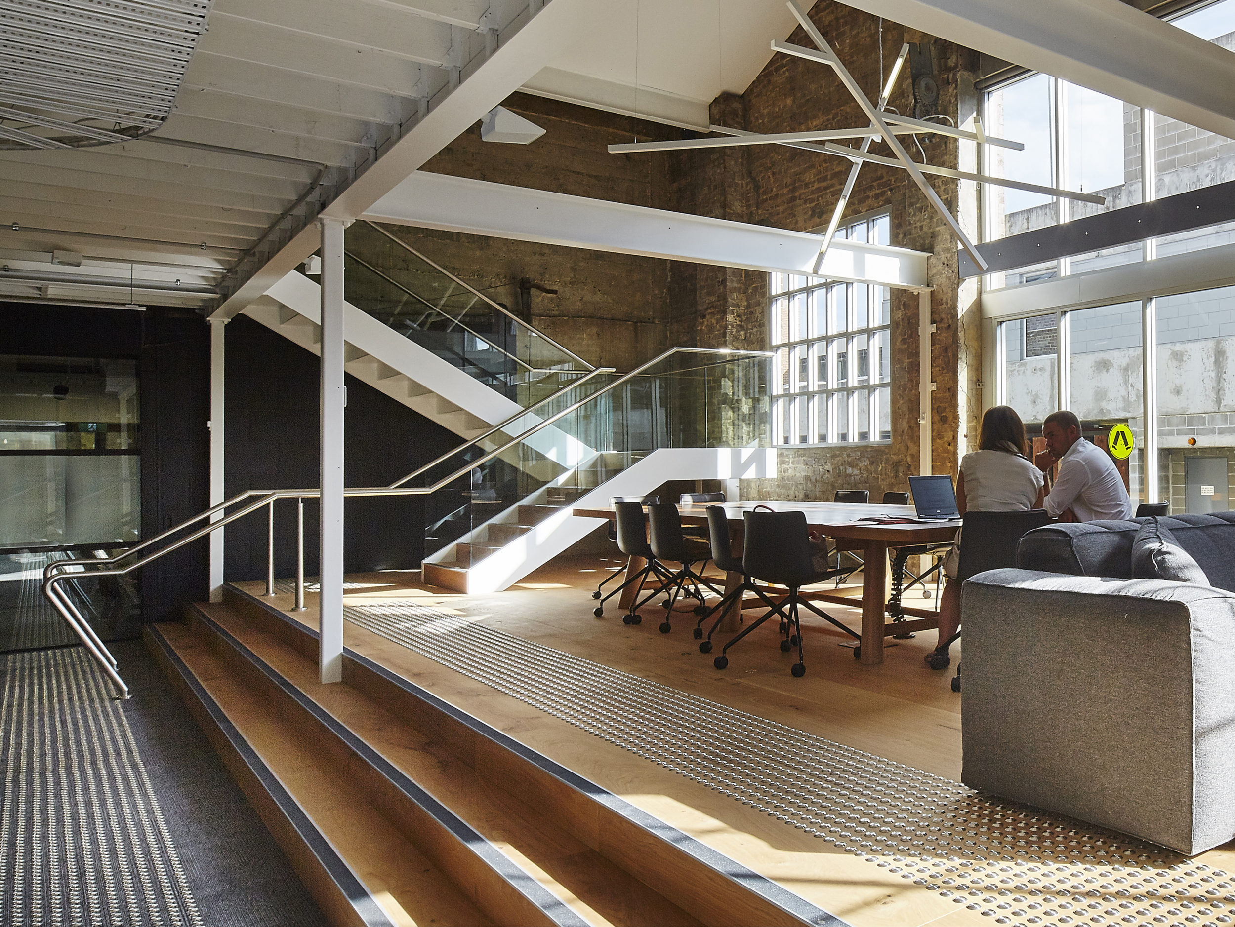 ACTIVE METAL GENESIS CARE STRUCTURAL STAIR AND GLASS BALUSTRADE