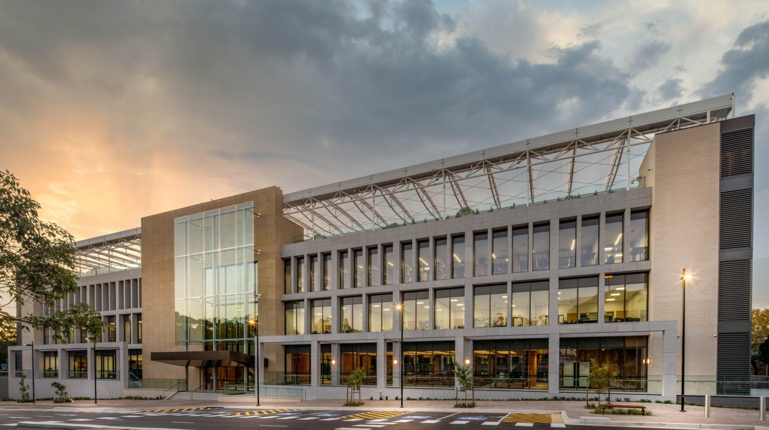 Glazed balustrades | Macquarie University | Active Metal 01