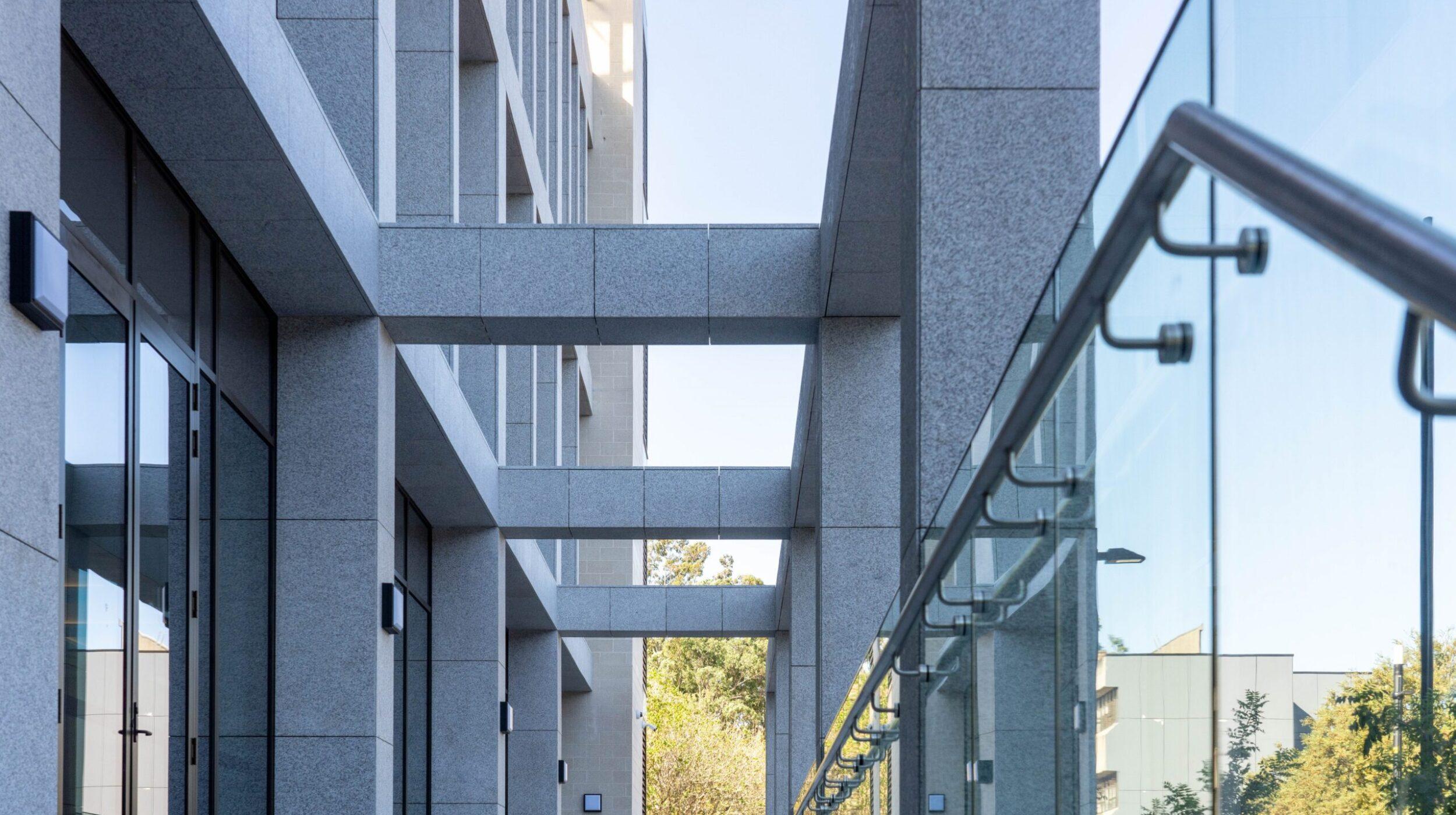 Glazed balustrades | Macquarie University | Active Metal 02